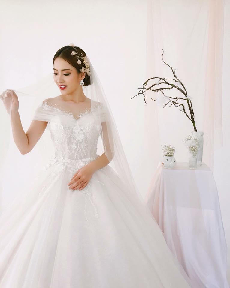Album váy cưới bồng xòe 100