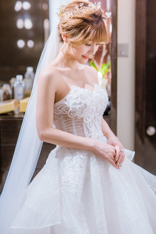 Album váy cưới bồng xòe 102