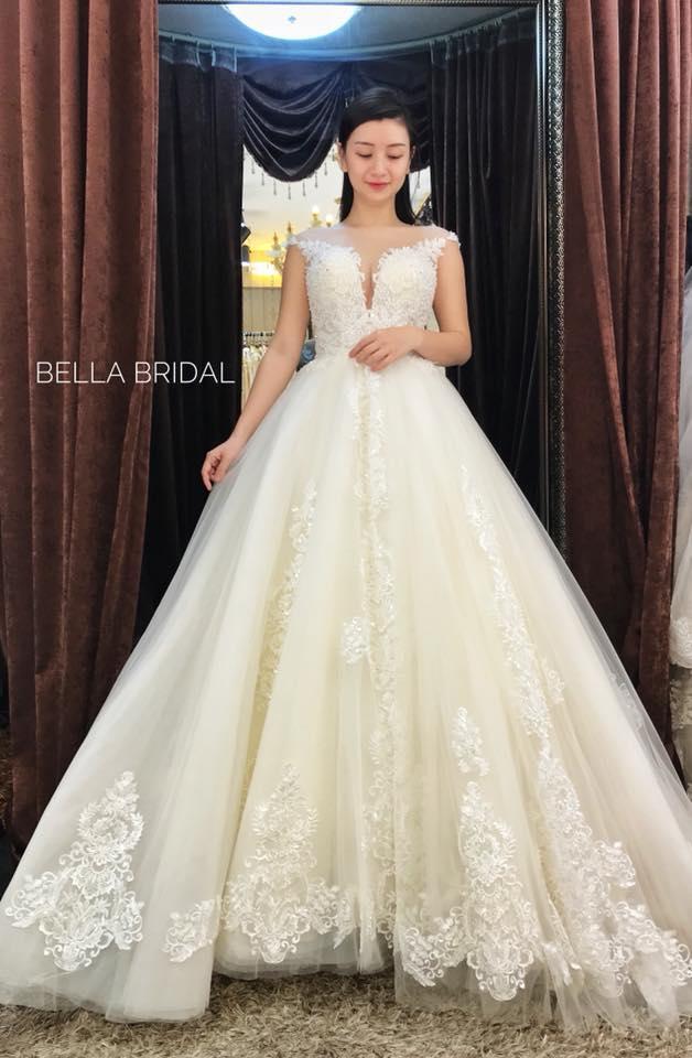 Album váy cưới bồng xòe 109
