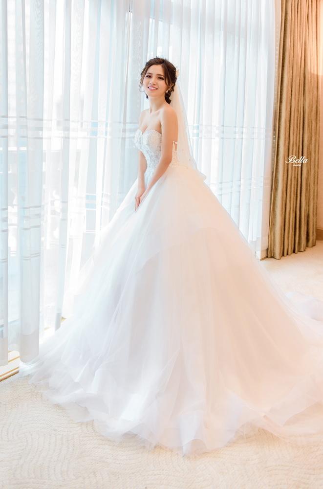 Album váy cưới bồng xòe 112