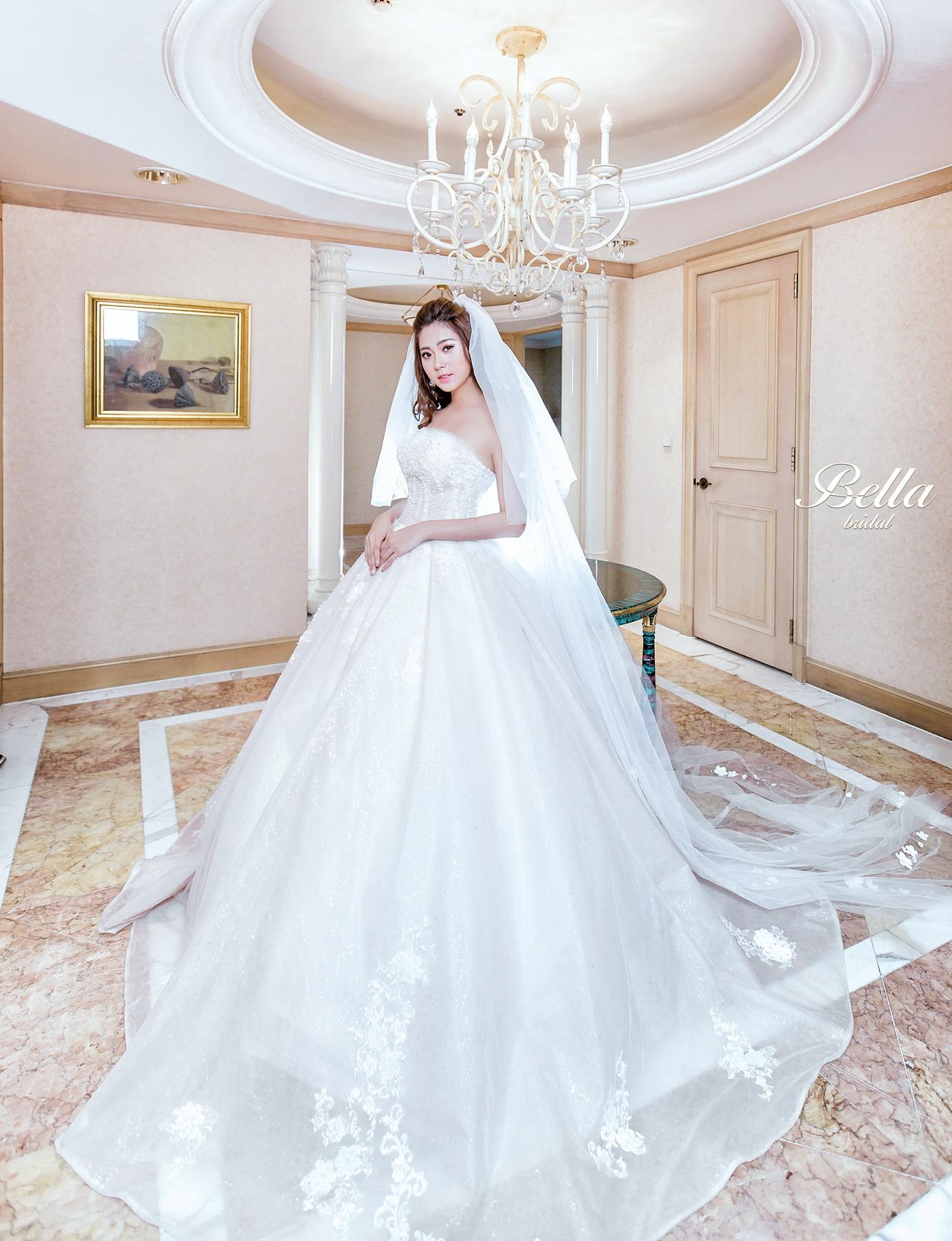 Album váy cưới bồng xòe 116