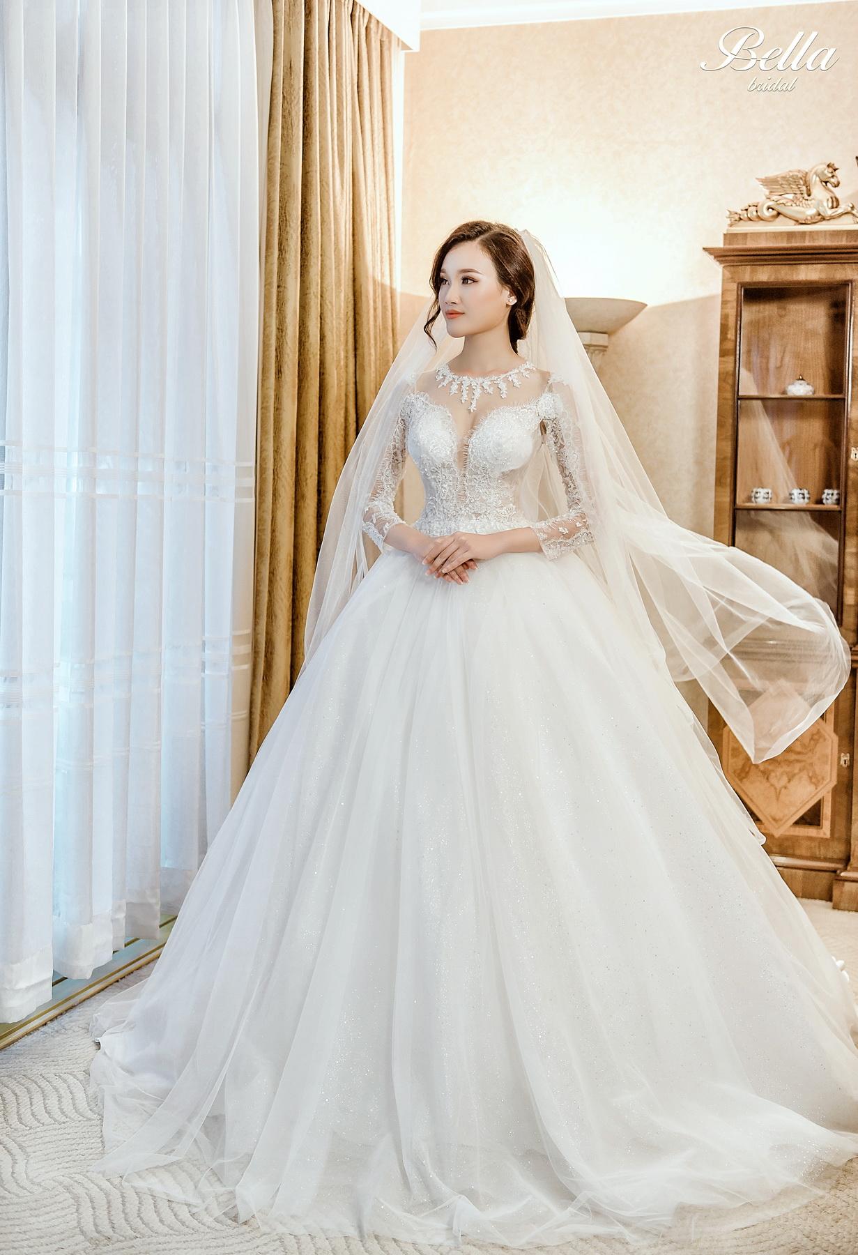 Album váy cưới bồng xòe 117
