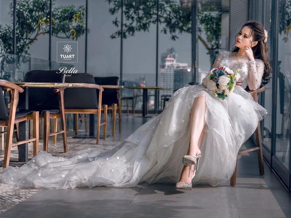 Album váy cưới bồng xòe 118