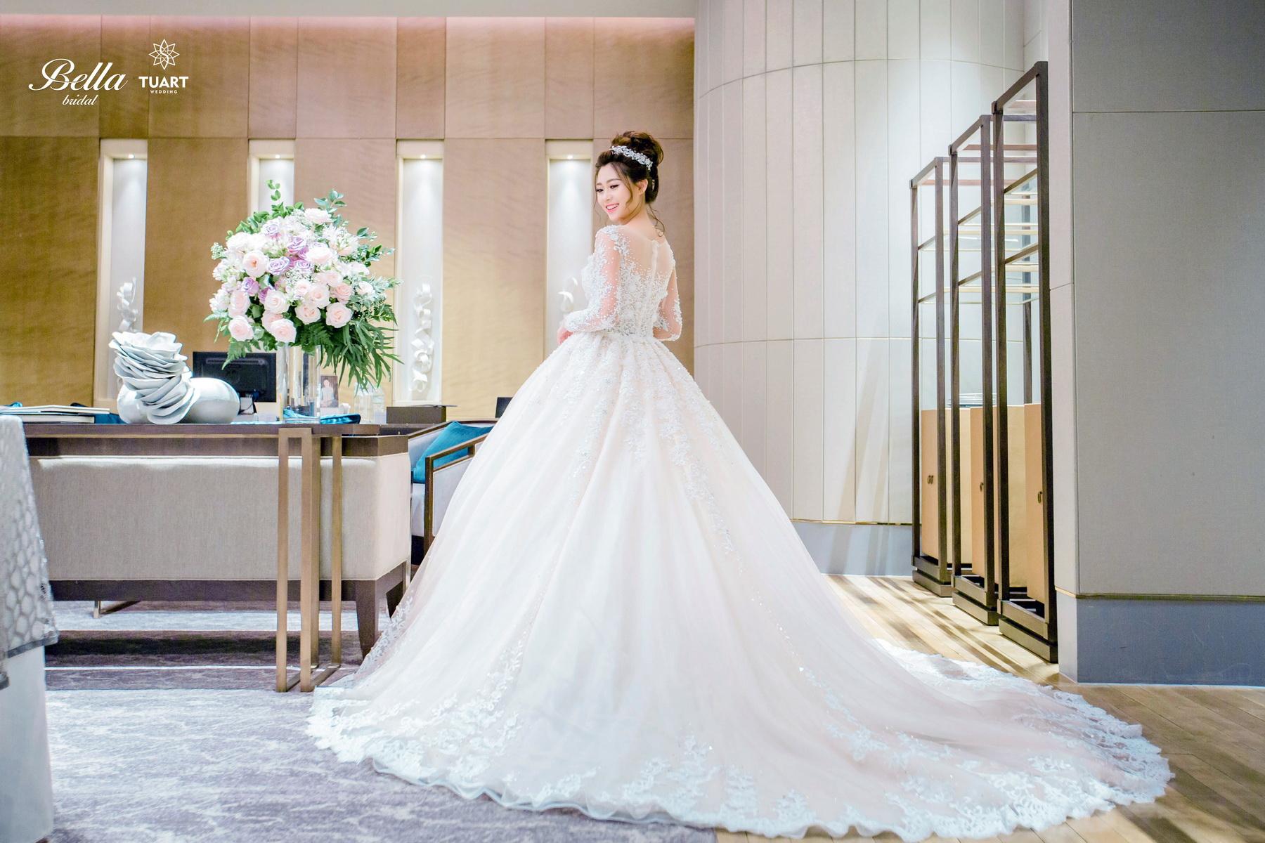 Album váy cưới bồng xòe 119