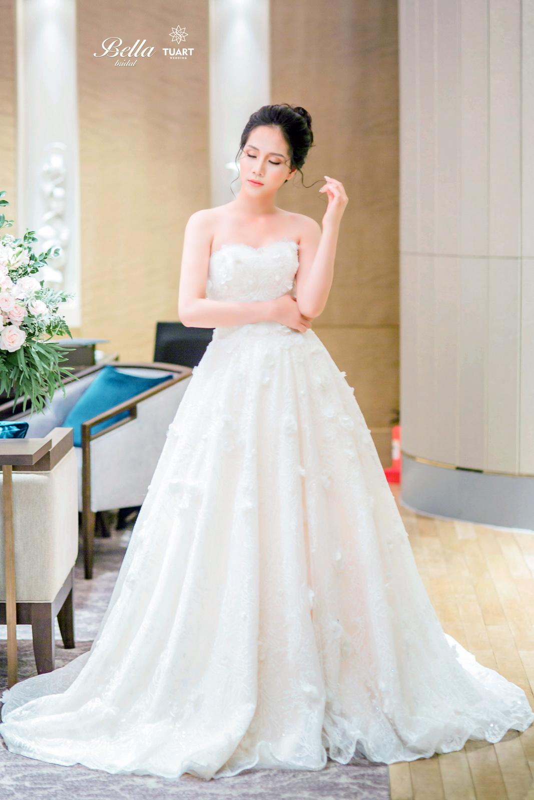 Album váy cưới bồng xòe 120