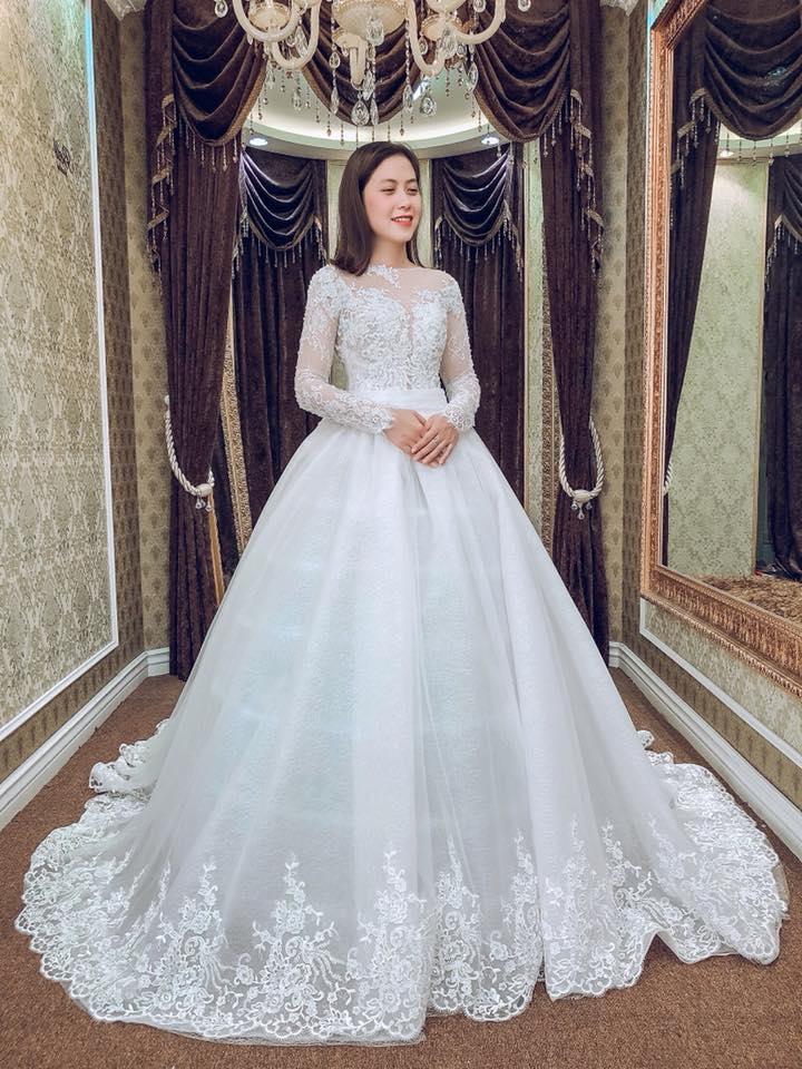 Album váy cưới bồng xòe 130