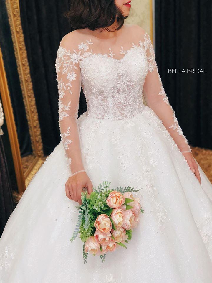 Album váy cưới bồng xòe 136
