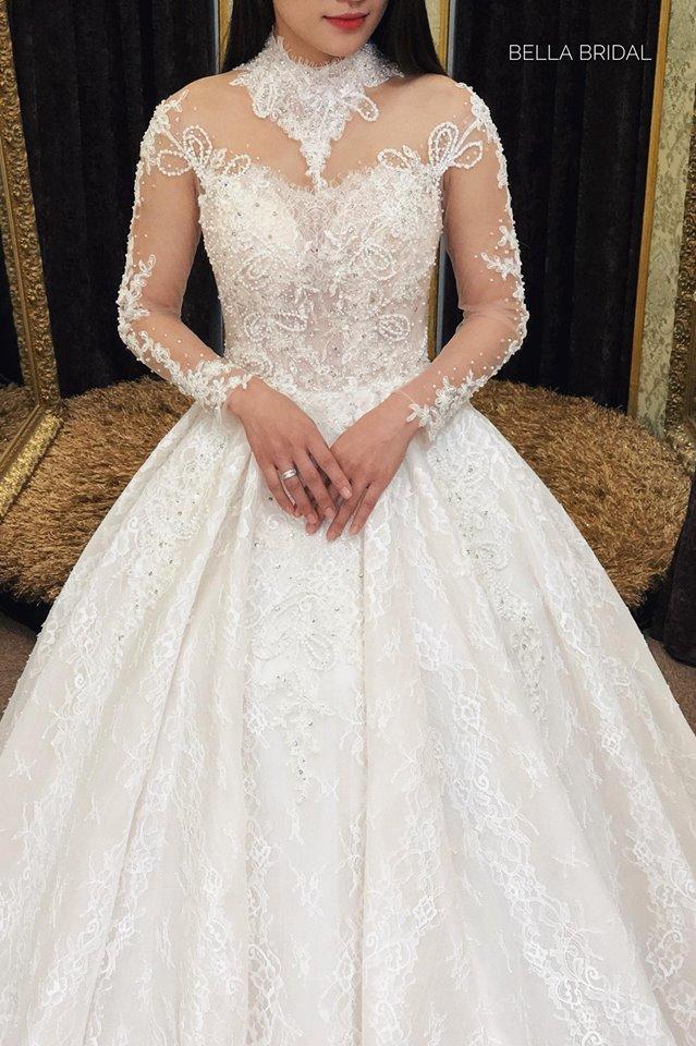 Album váy cưới bồng xòe 137