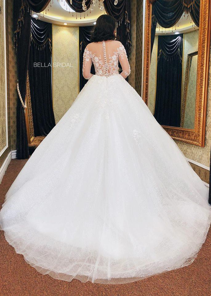 Album váy cưới bồng xòe 139