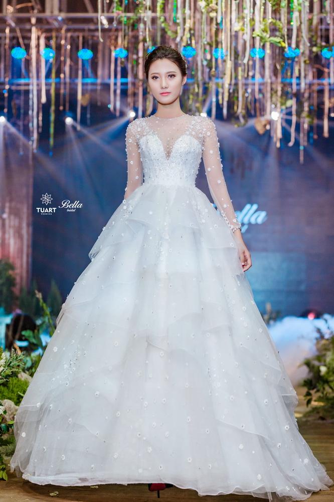 Album váy cưới bồng xòe 14
