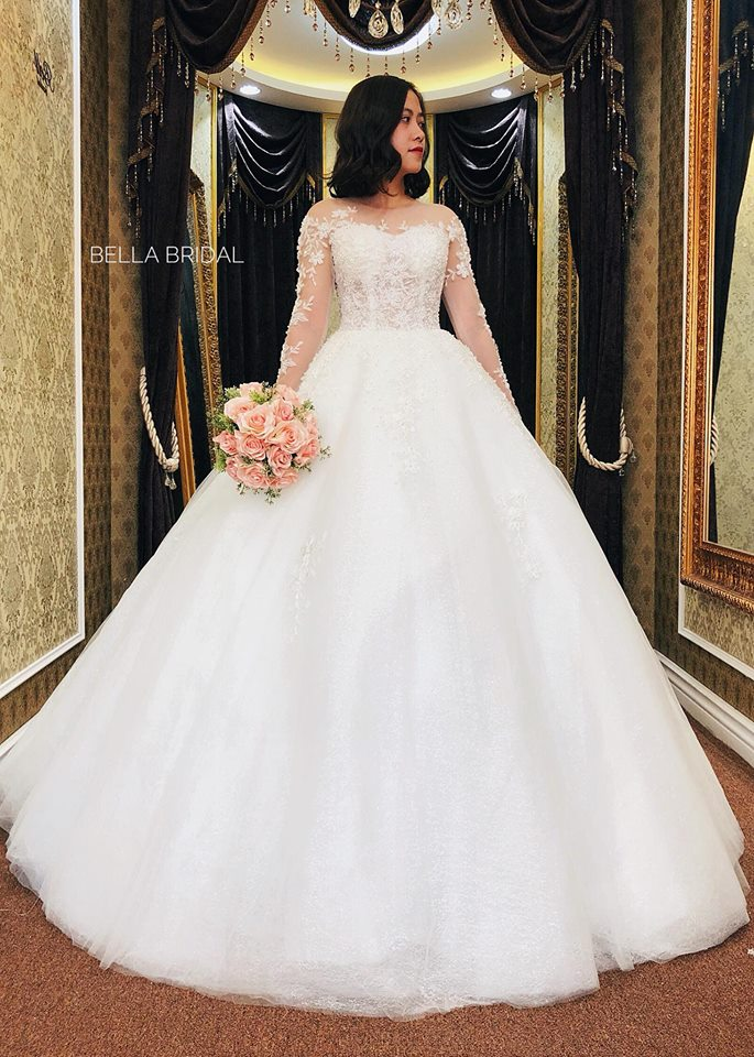 Album váy cưới bồng xòe 141