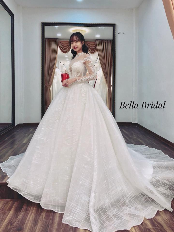Album váy cưới bồng xòe 142