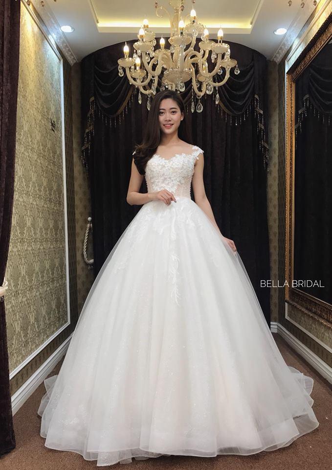 Album váy cưới bồng xòe 143