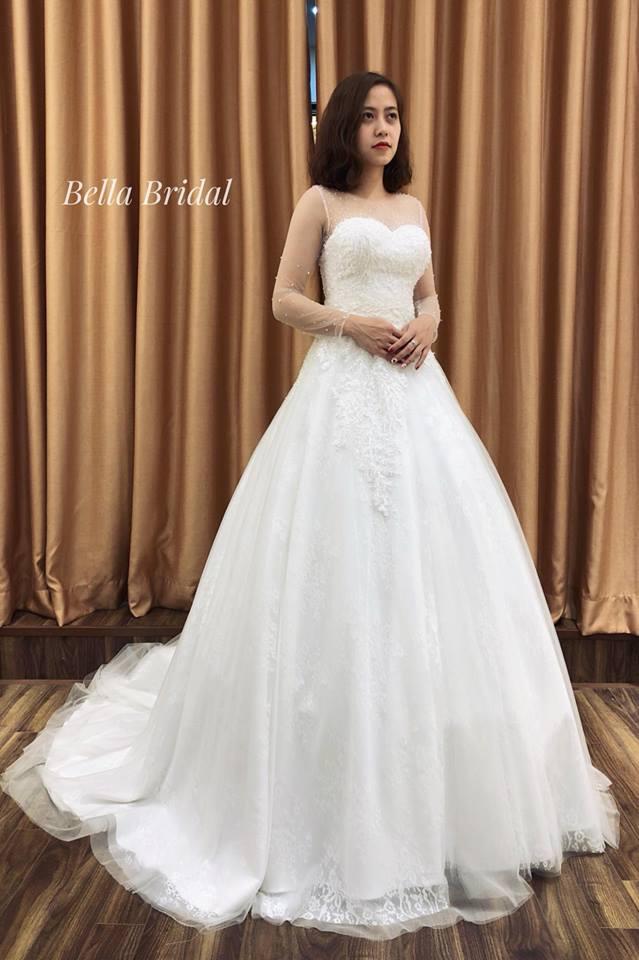 Album váy cưới bồng xòe 144