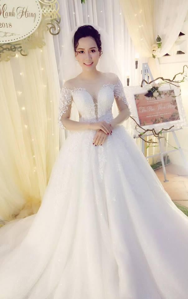 Album váy cưới bồng xòe 145