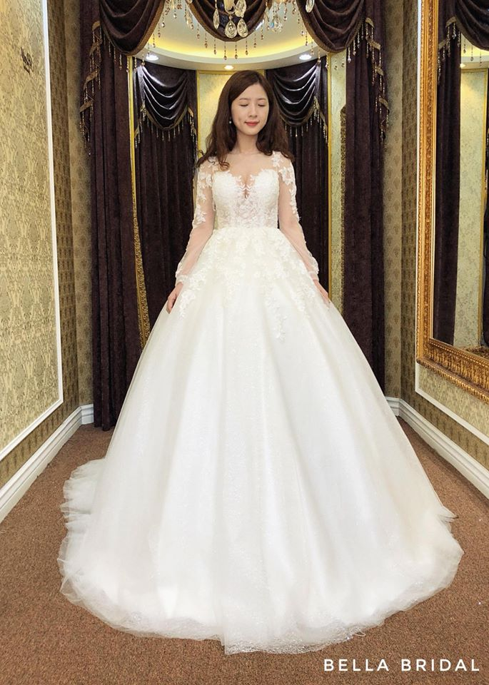 Album váy cưới bồng xòe 149