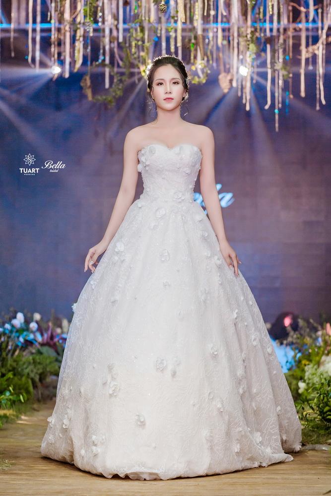 Album váy cưới bồng xòe 15
