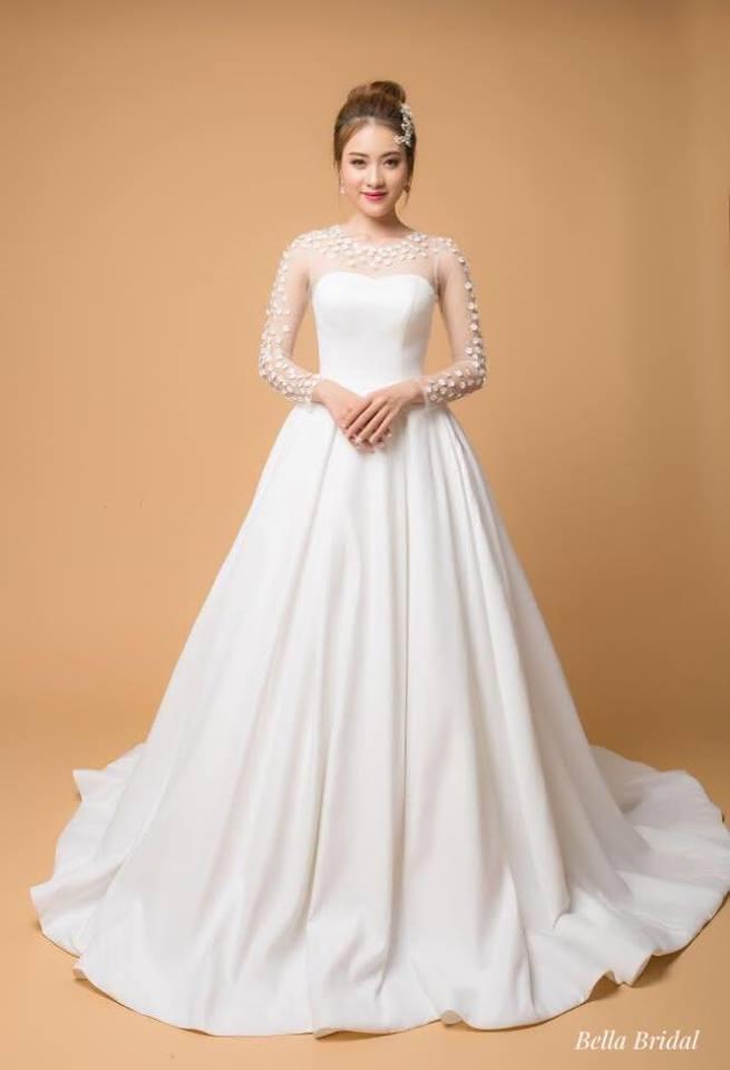 Album váy cưới bồng xòe 152
