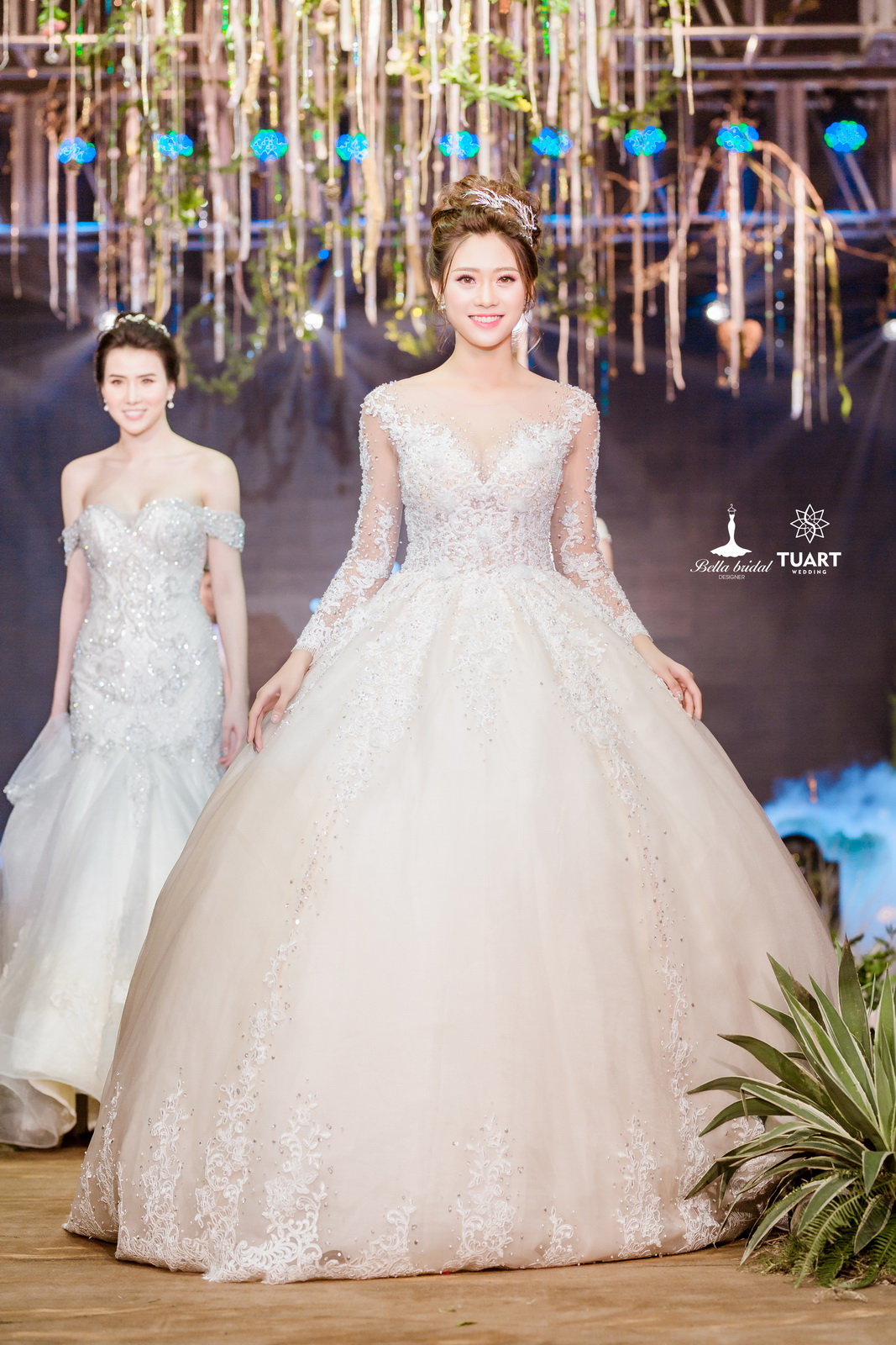 Album váy cưới bồng xòe 153