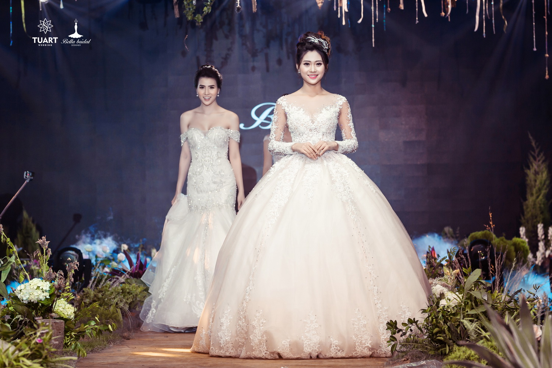 Album váy cưới bồng xòe 157