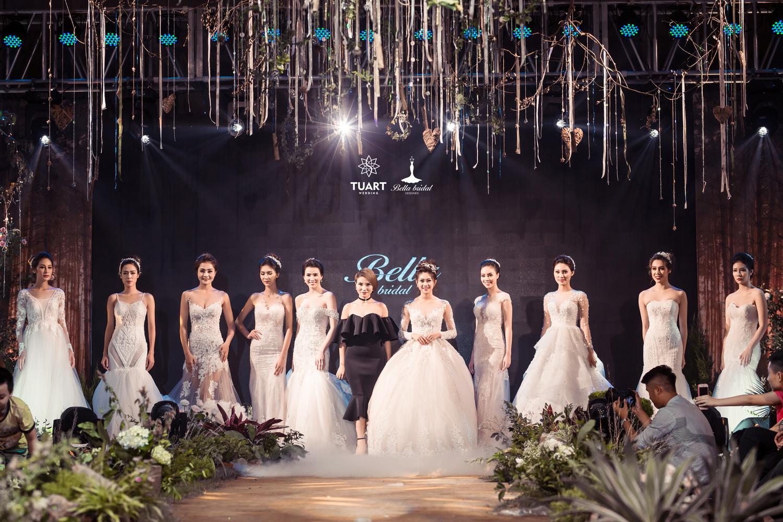 Album váy cưới bồng xòe 158
