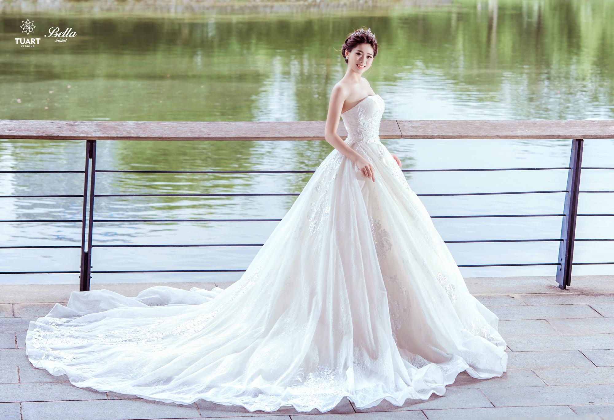 Album váy cưới bồng xòe 161