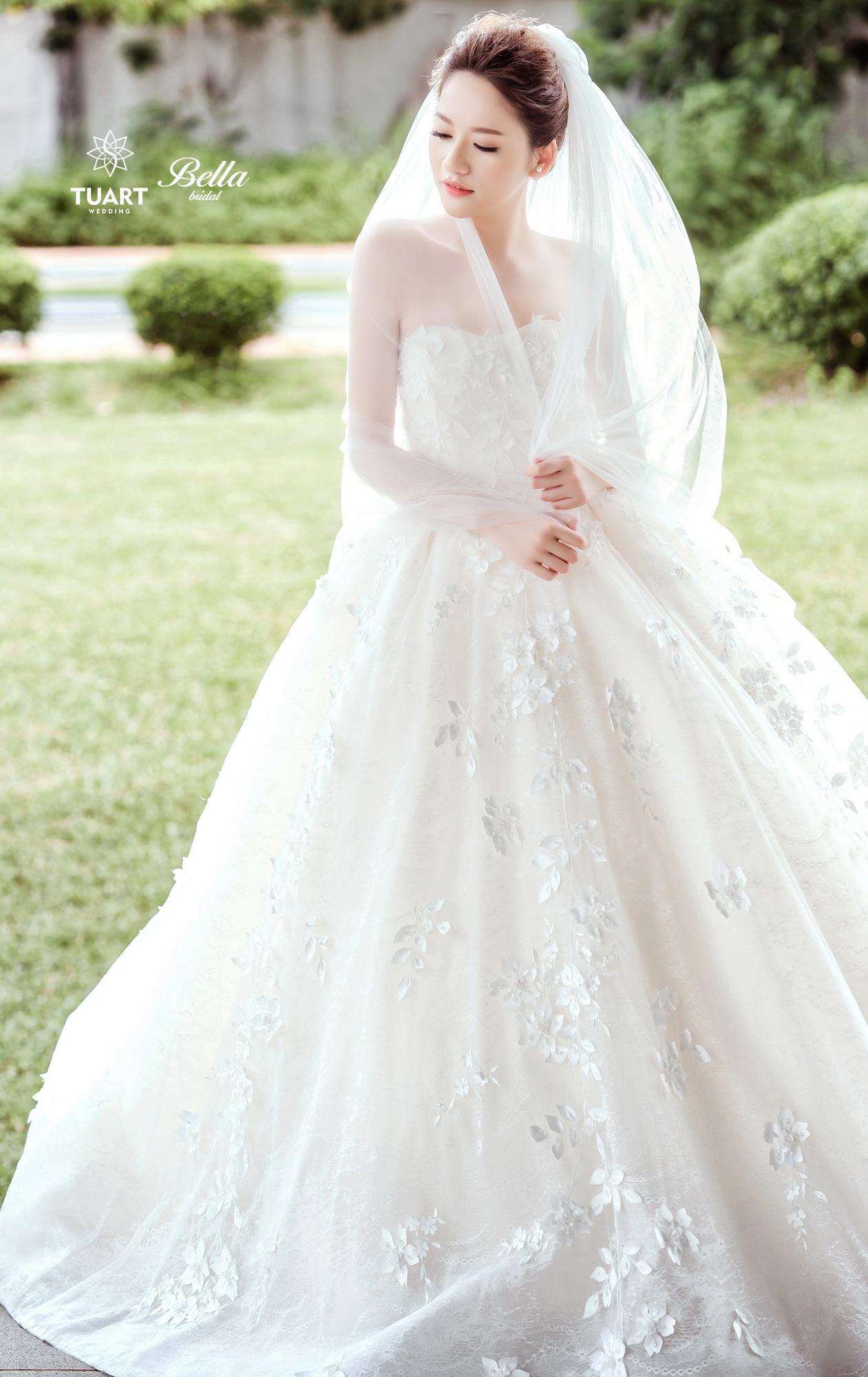 Album váy cưới bồng xòe 166
