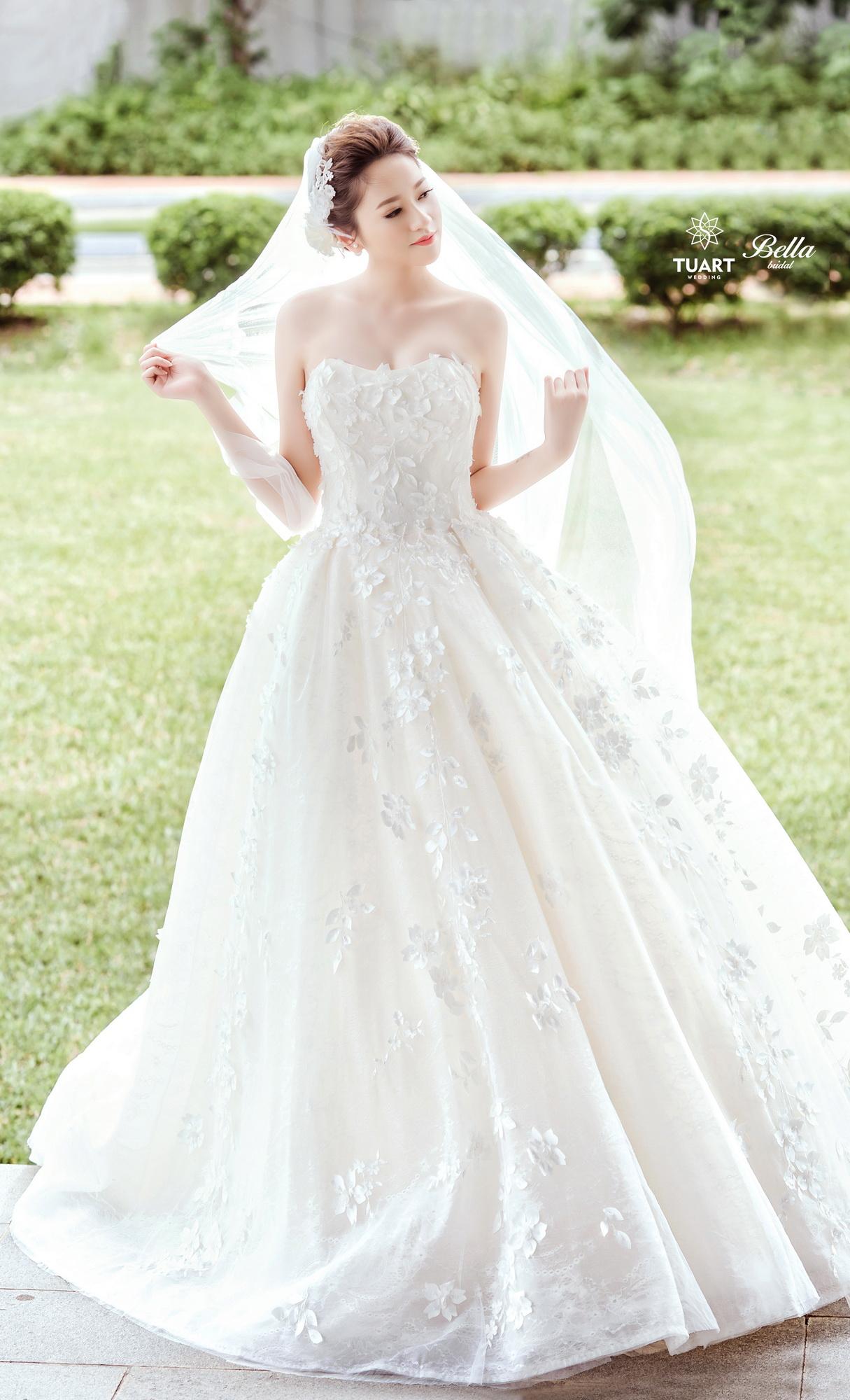Album váy cưới bồng xòe 167