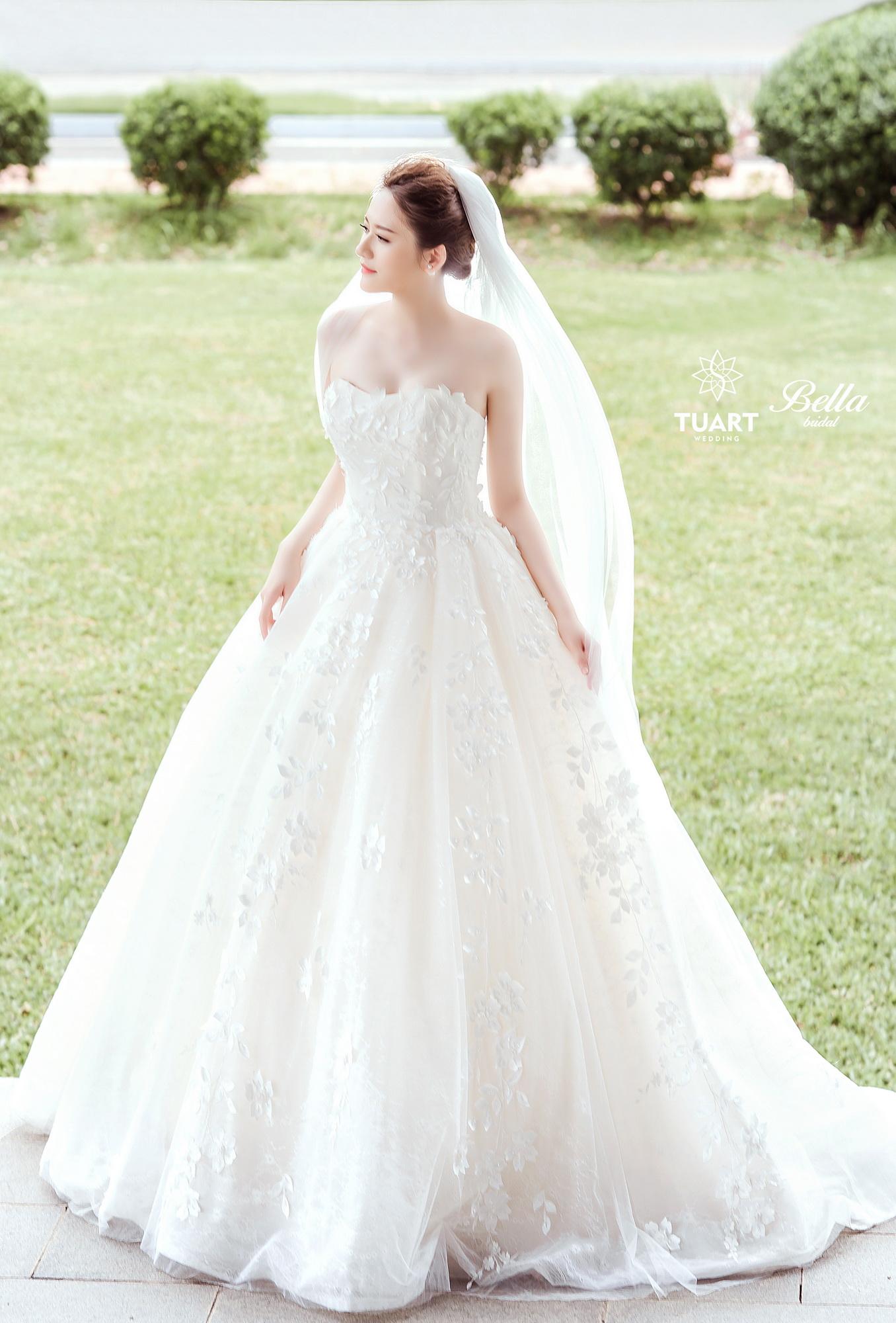 Album váy cưới bồng xòe 168