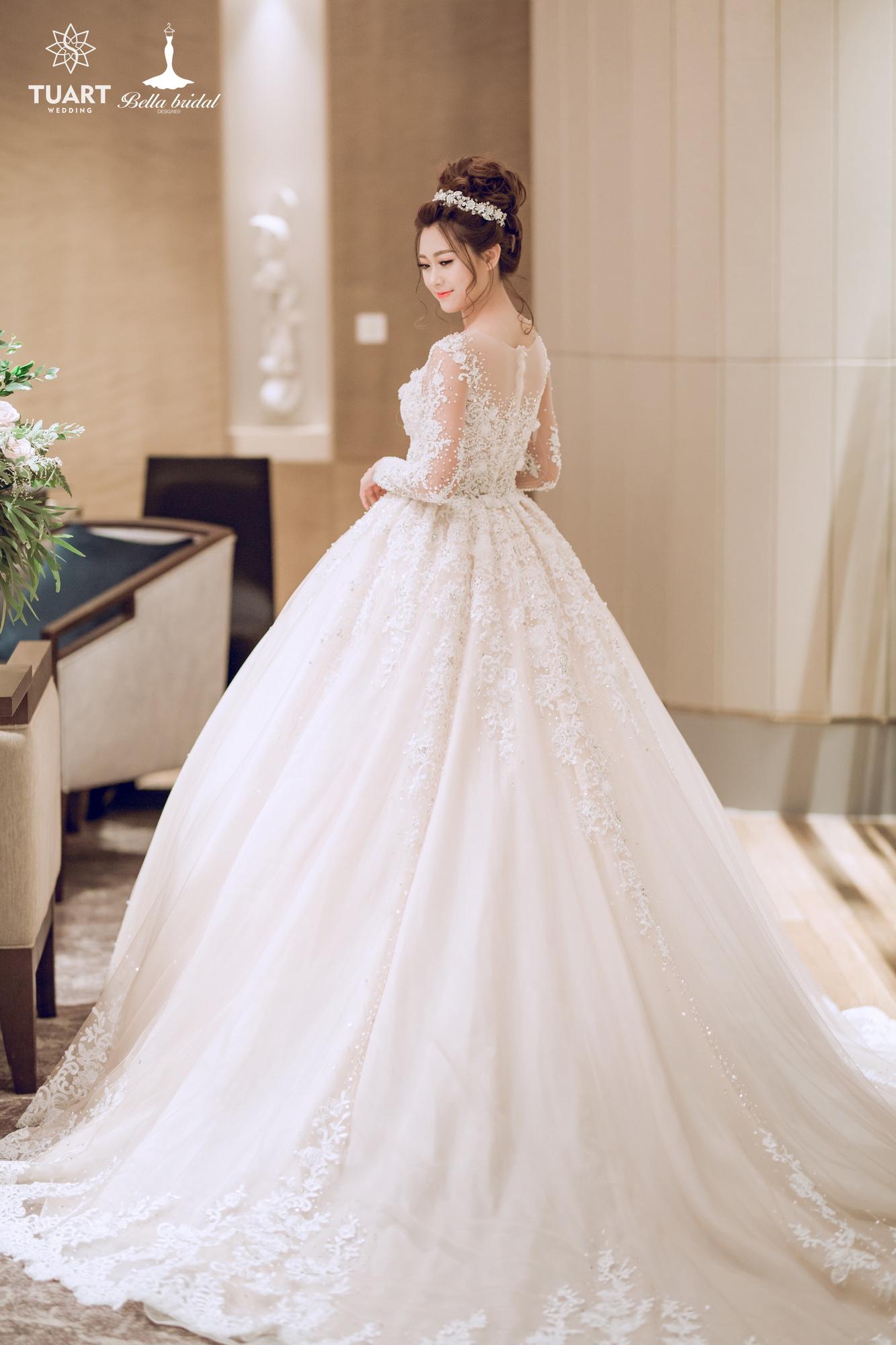 Album váy cưới bồng xòe 17