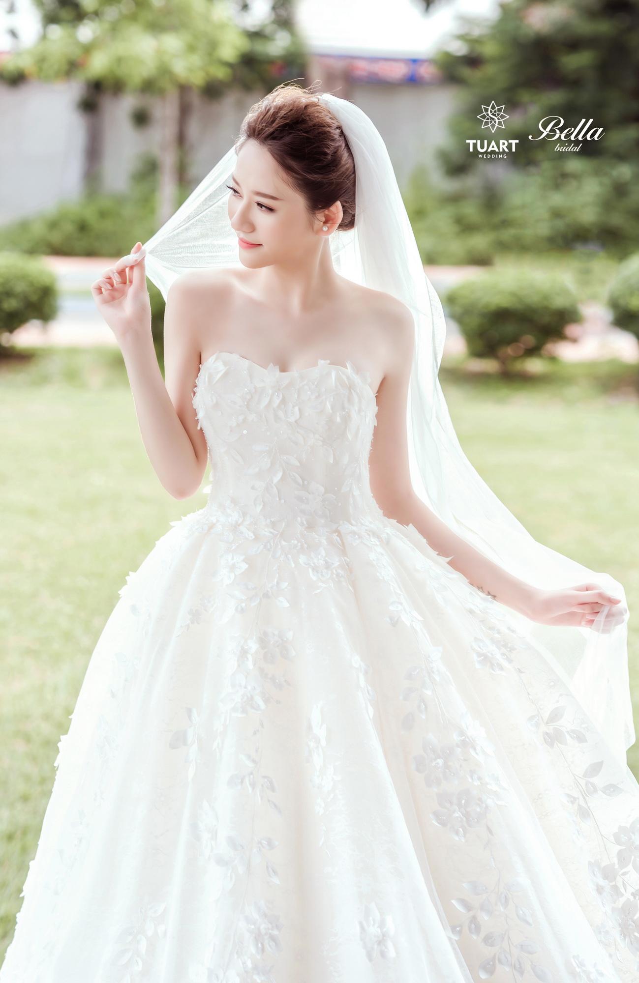 Album váy cưới bồng xòe 170
