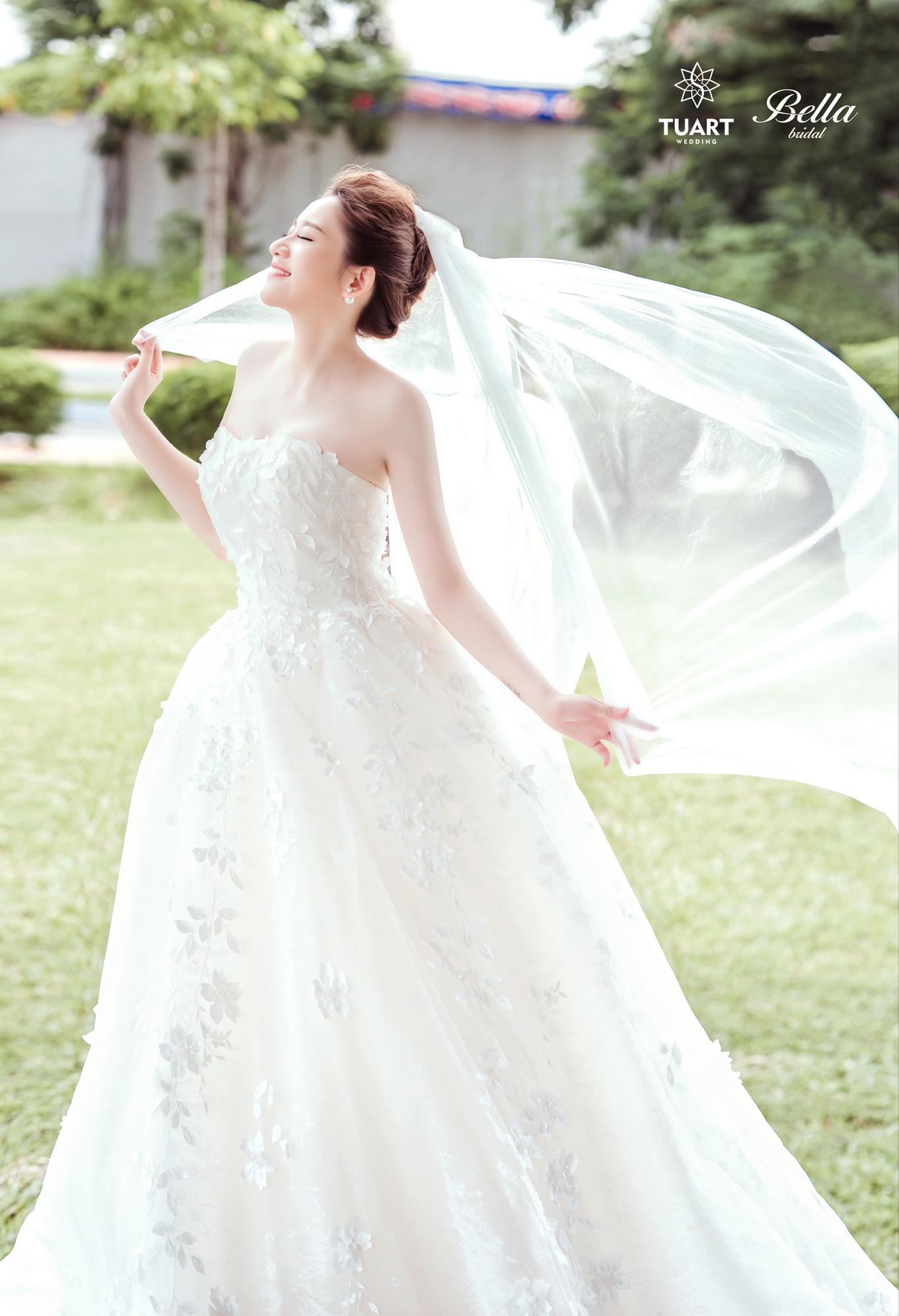 Album váy cưới bồng xòe 171