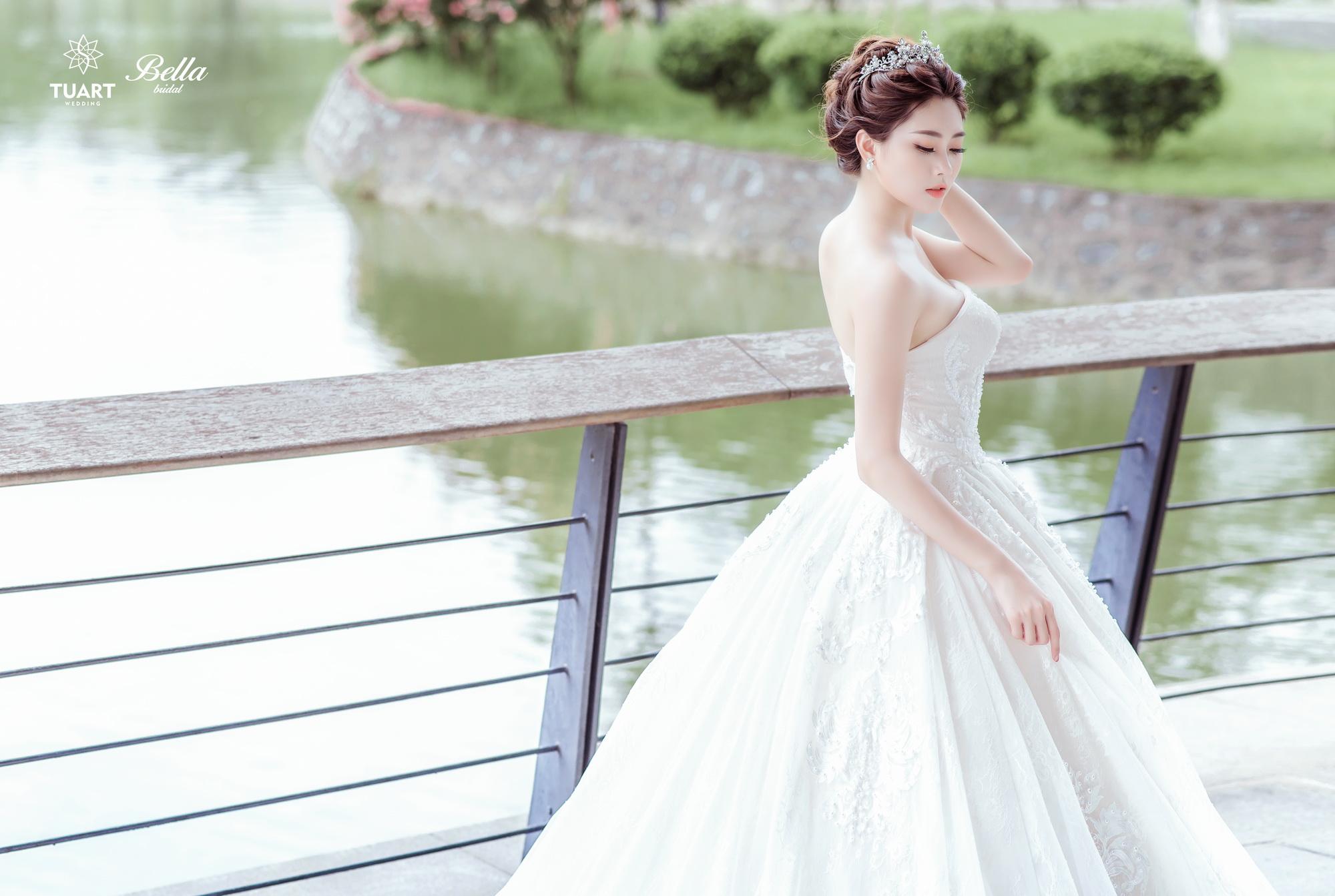 Album váy cưới bồng xòe 26