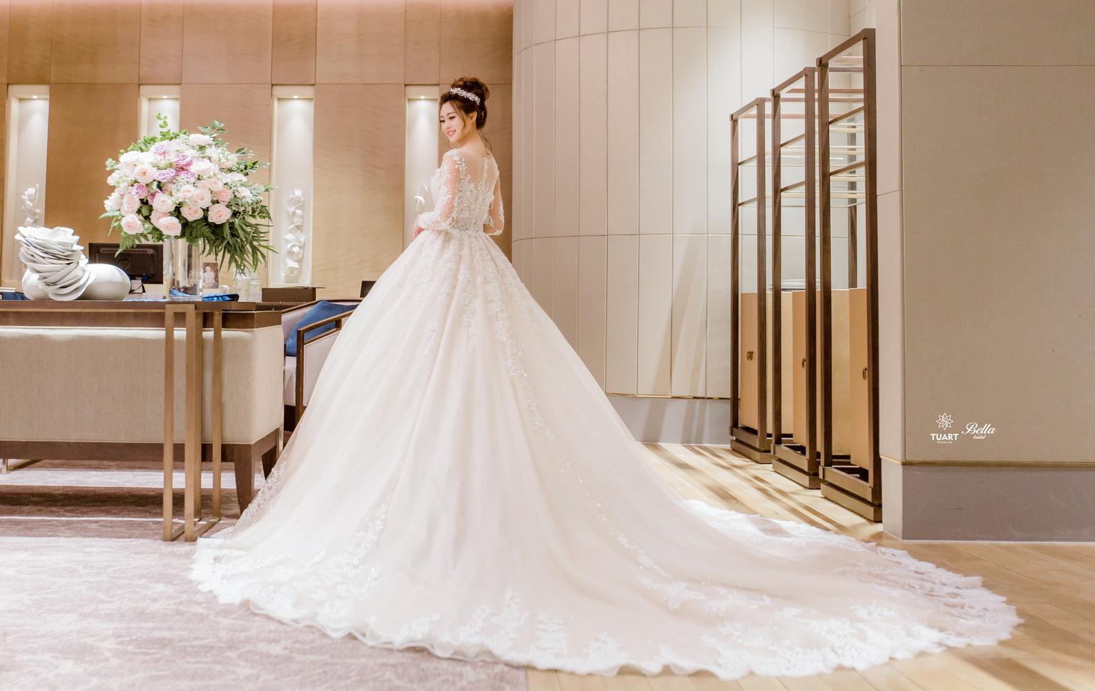 Album váy cưới bồng xòe 4