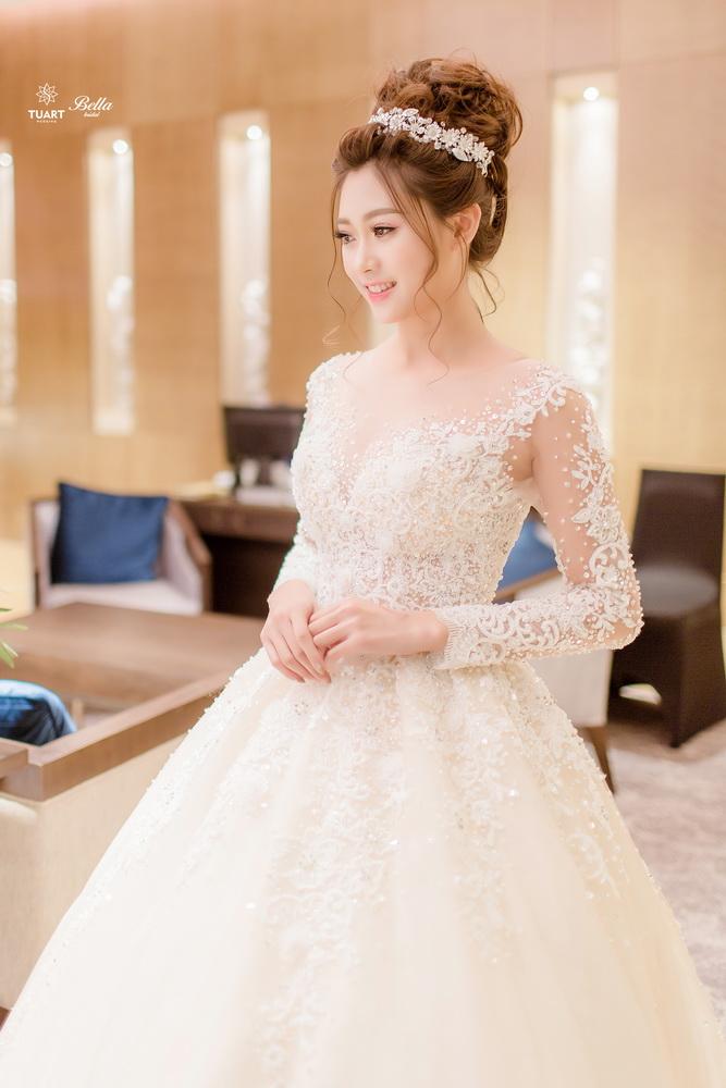 Album váy cưới bồng xòe 8