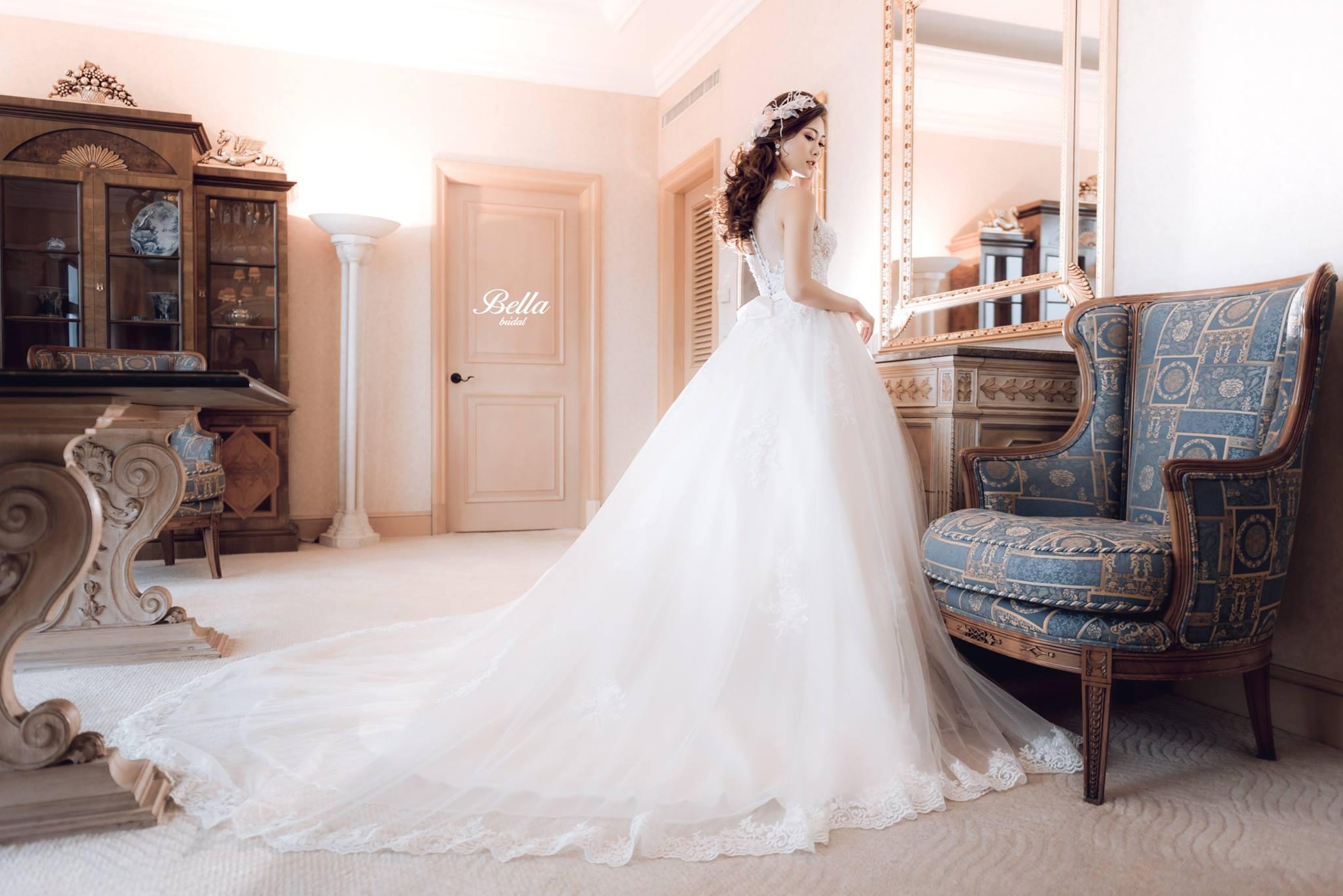 Album váy cưới bồng xòe 87