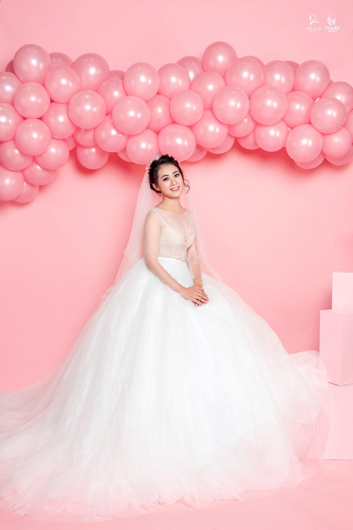 BST váy cưới Hidden Charm 2018