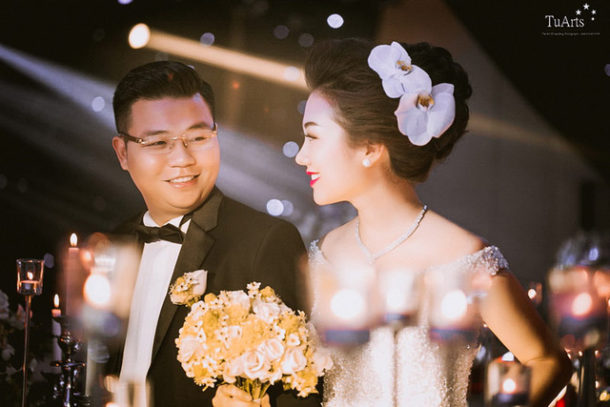 Báo Dân Trí: Đám cưới tiền tỷ rước dâu bằng máy bay của cô gái Nam Định