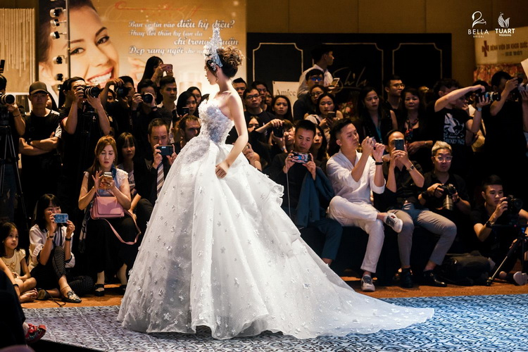 thuê váy cưới đẹp