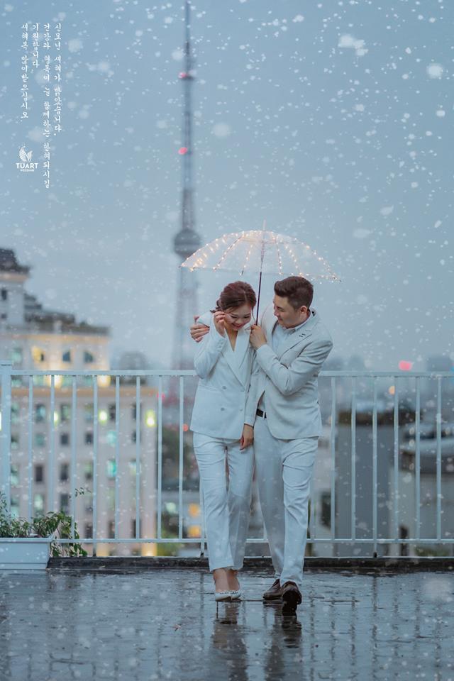 ảnh cưới đẹp dưới mưa