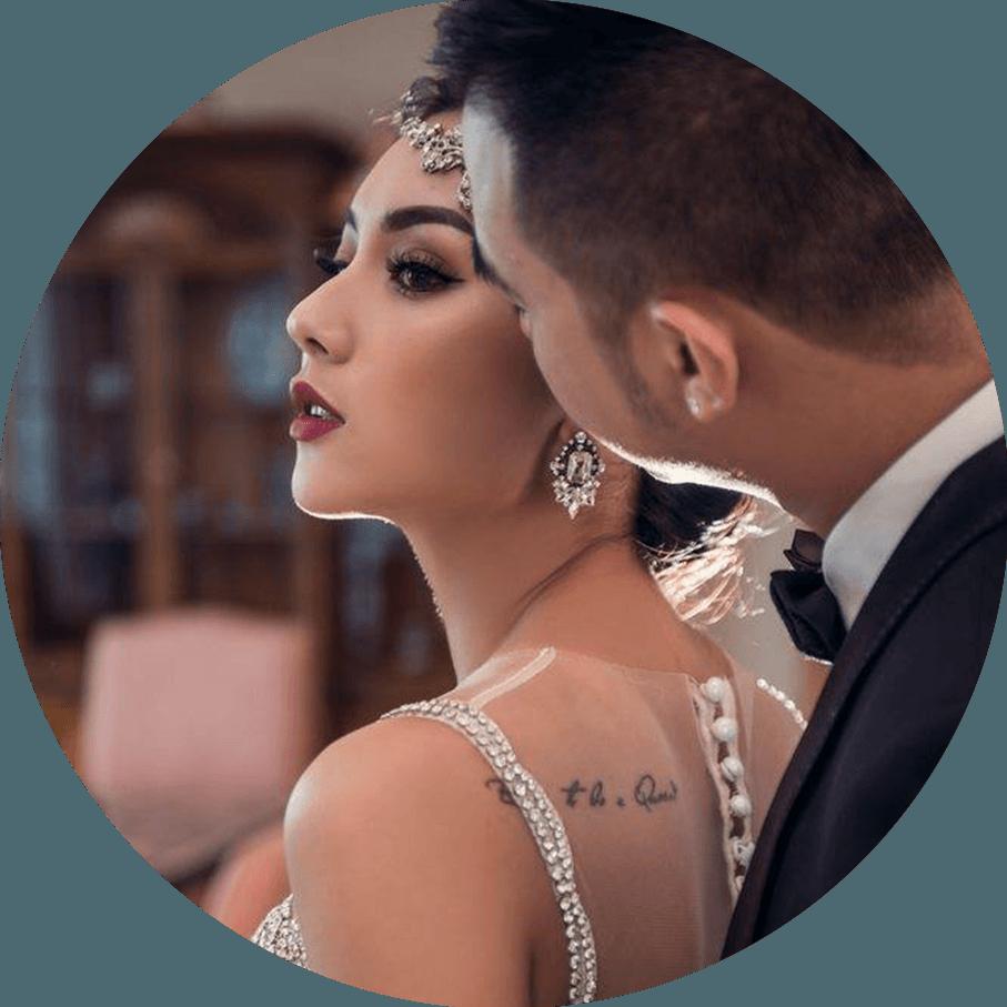 Vợ chồng Hot girl Nga Tây