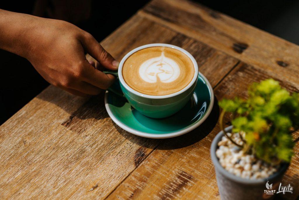 beautiful coffee shops in Hanoi