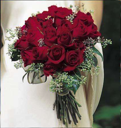 Hoa cưới đẹp tone đỏ quyến rũ dành cho cô dâu yêu thích sự nổi bật