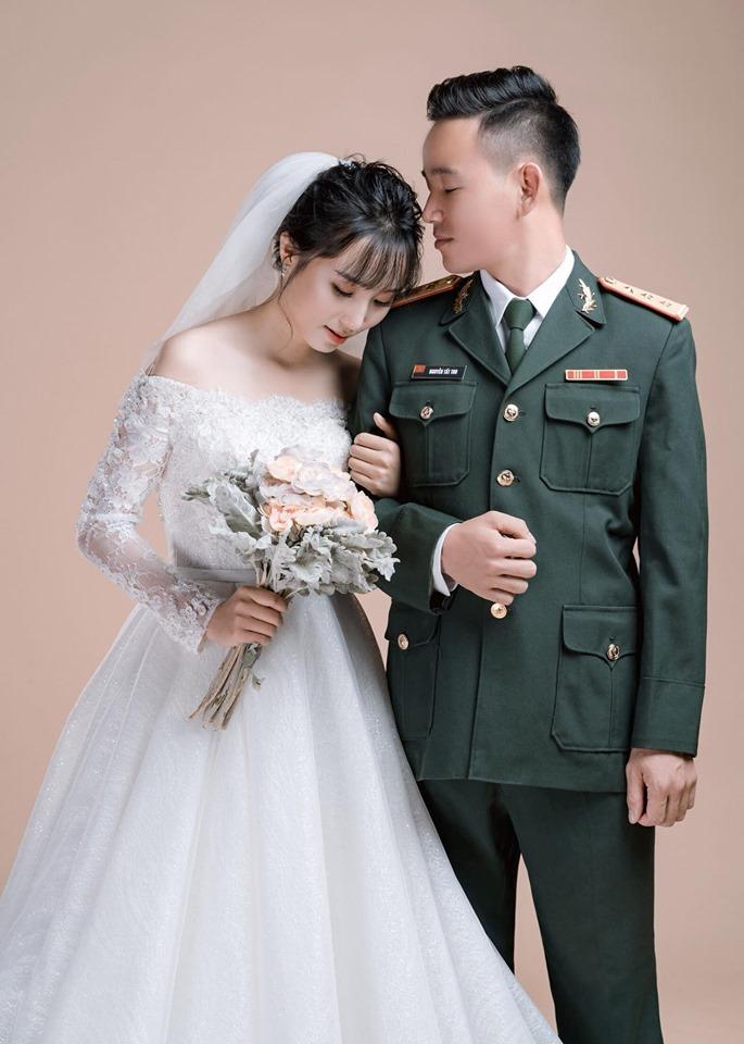 chụp ảnh cưới quân phục