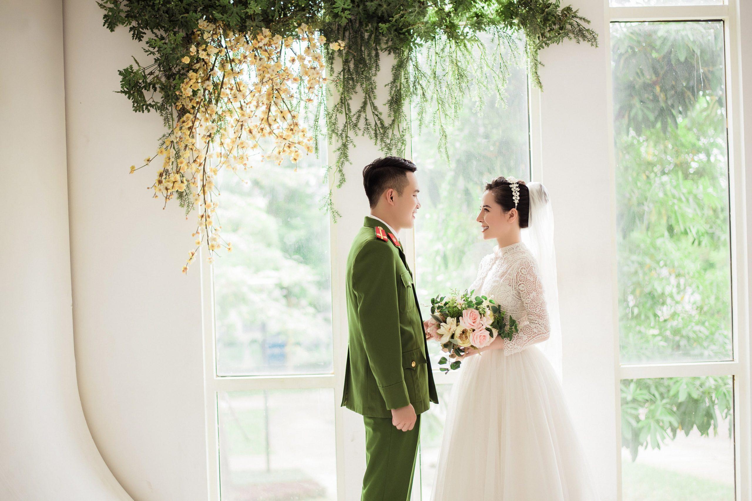 Độc đáo phong cách chụp ảnh cưới quân phục