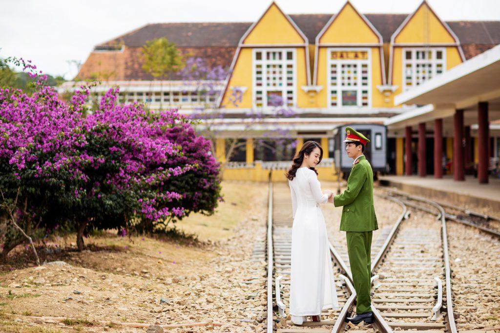 chụp hình cưới công an